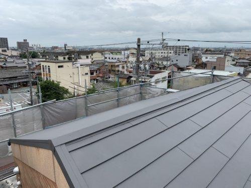 屋根重ね葺き完了
